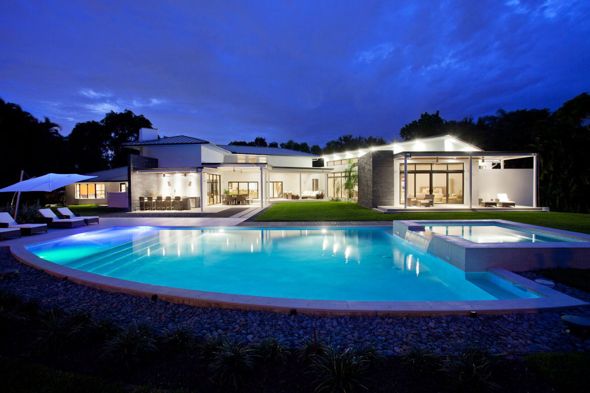Mediterranean House Converted Into Luxurious Modern Retreat in Florida