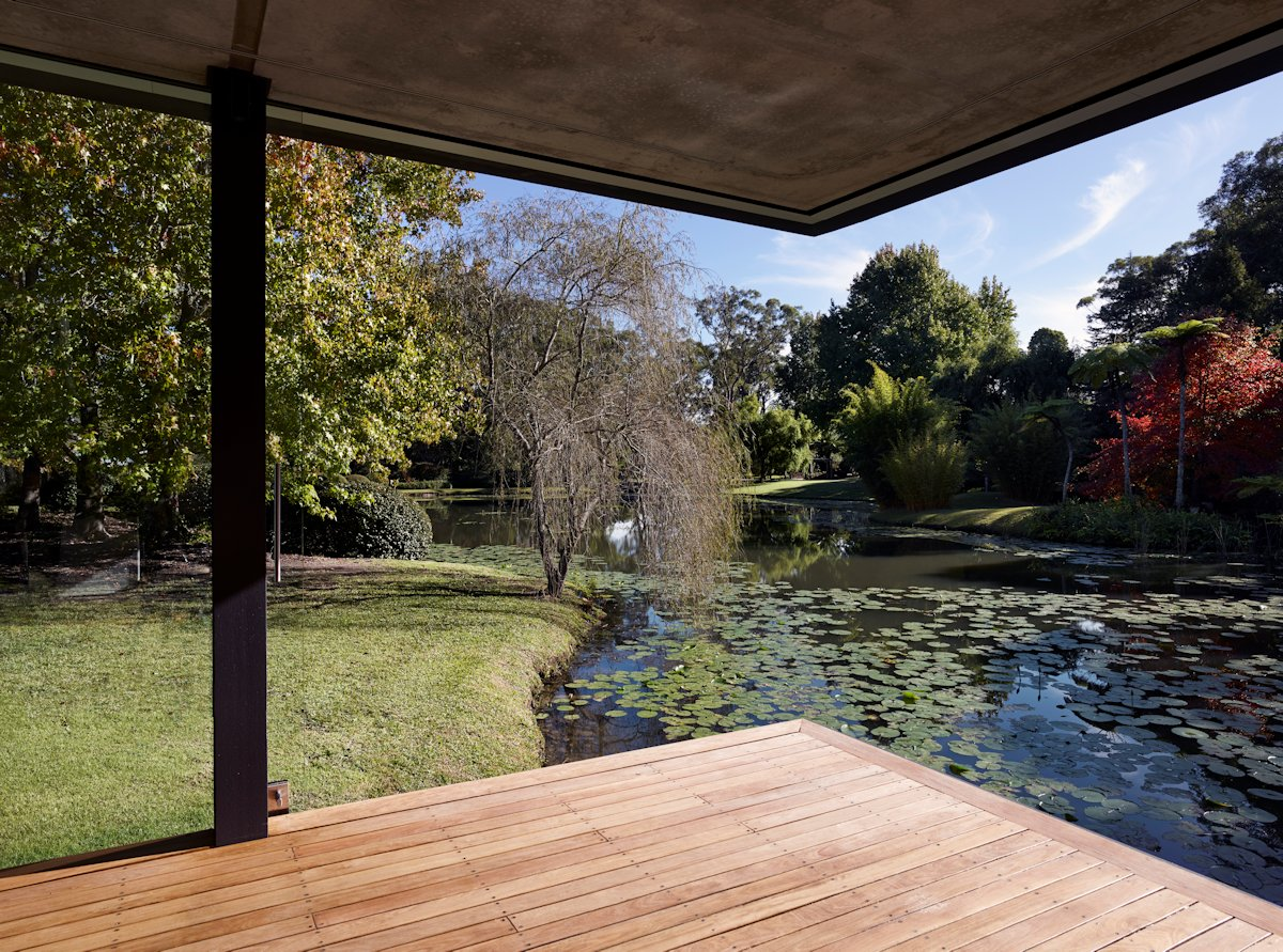 Pond View, Wooden Flooring, Glass Pavilion in Somersby, Australia