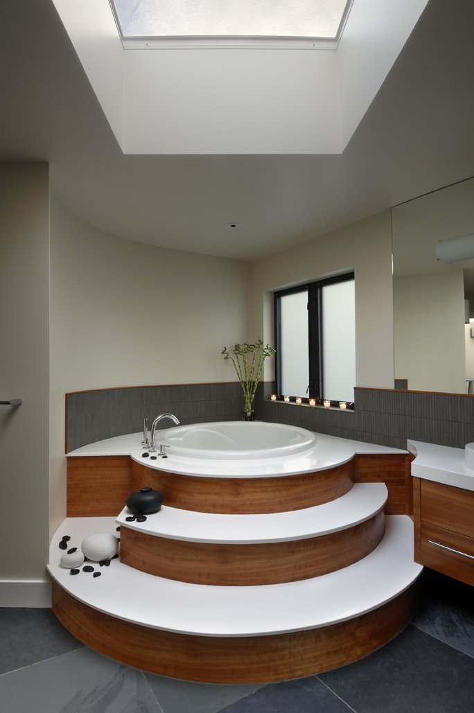 Raised Bath, Modern Home in Victoria, British Columbia