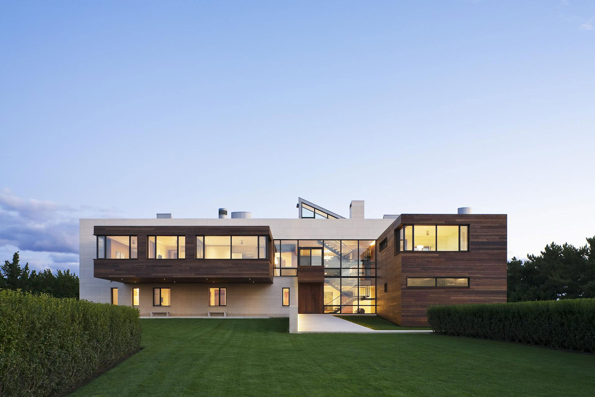Luxurious summer retreat in southampton new york Modern house architect new york