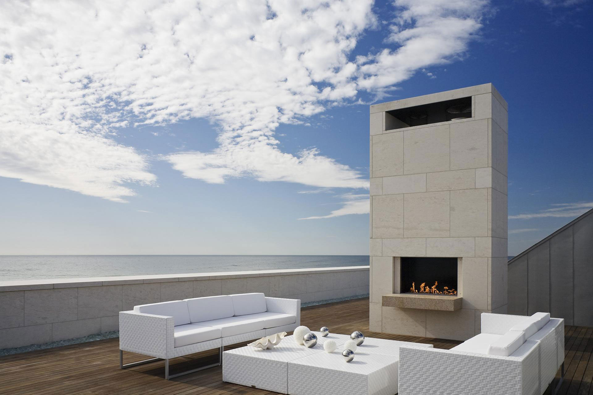Roof terrace outdoor fireplace furniture summer retreat for Modern beach house furniture