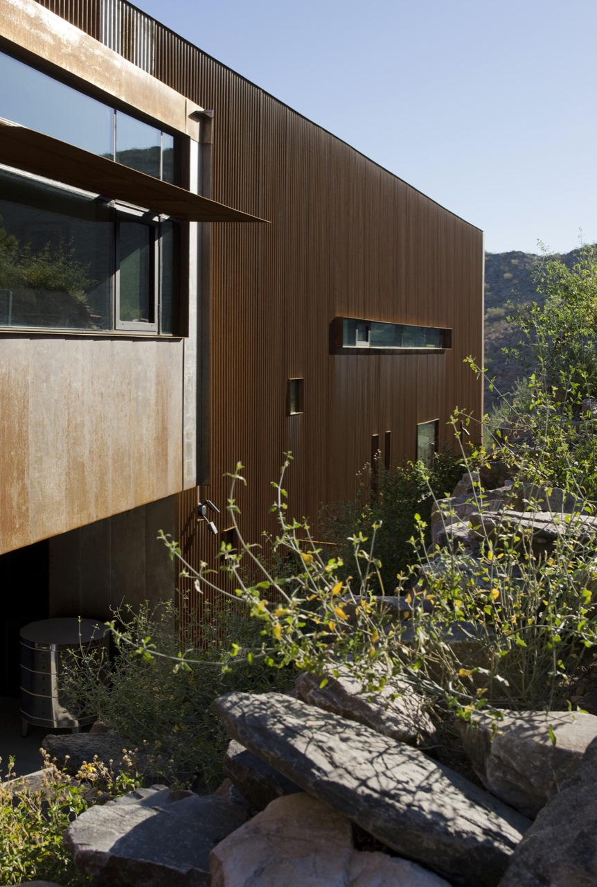 Side Facade, Jarson Residence in Paradise Valley, Arizona