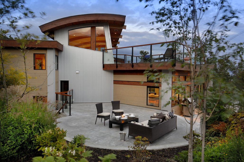 Terrace, Outdoor Furniture, Modern Home in Victoria, British Columbia