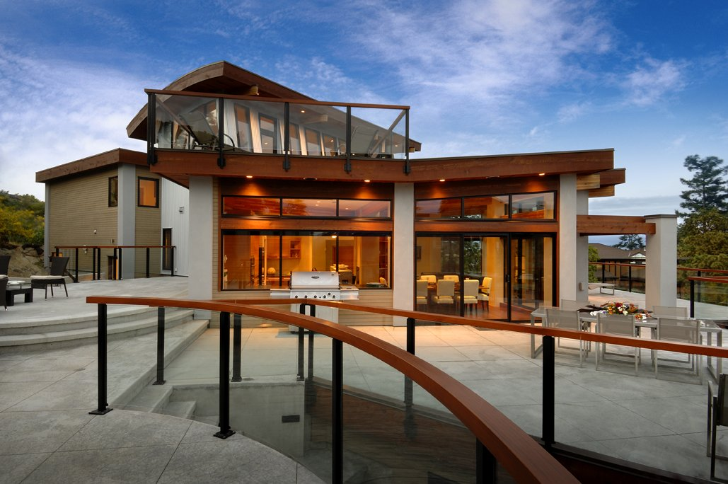 Terrace, Outdoor Living, Dining, Modern Home in Victoria, British Columbia