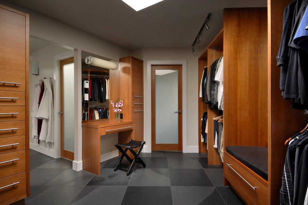 Walk-in-Wardrobe, Modern Home in Victoria, British Columbia