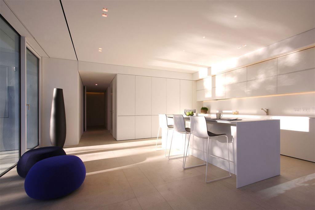 White Kitchen, Breakfast Bar, Contemporary Villa in Jesolo Lido, Venice, Italy
