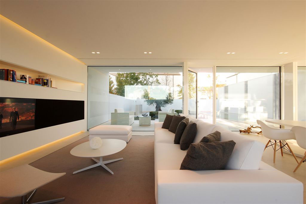 White Leather Sofa, Coffee Table, Contemporary Villa in Jesolo Lido, Venice, Italy