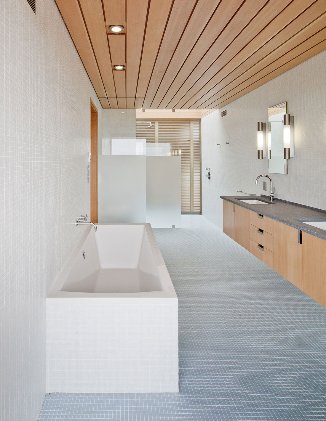 Bathroom, Bath, Home in Edgartown, Massachusetts