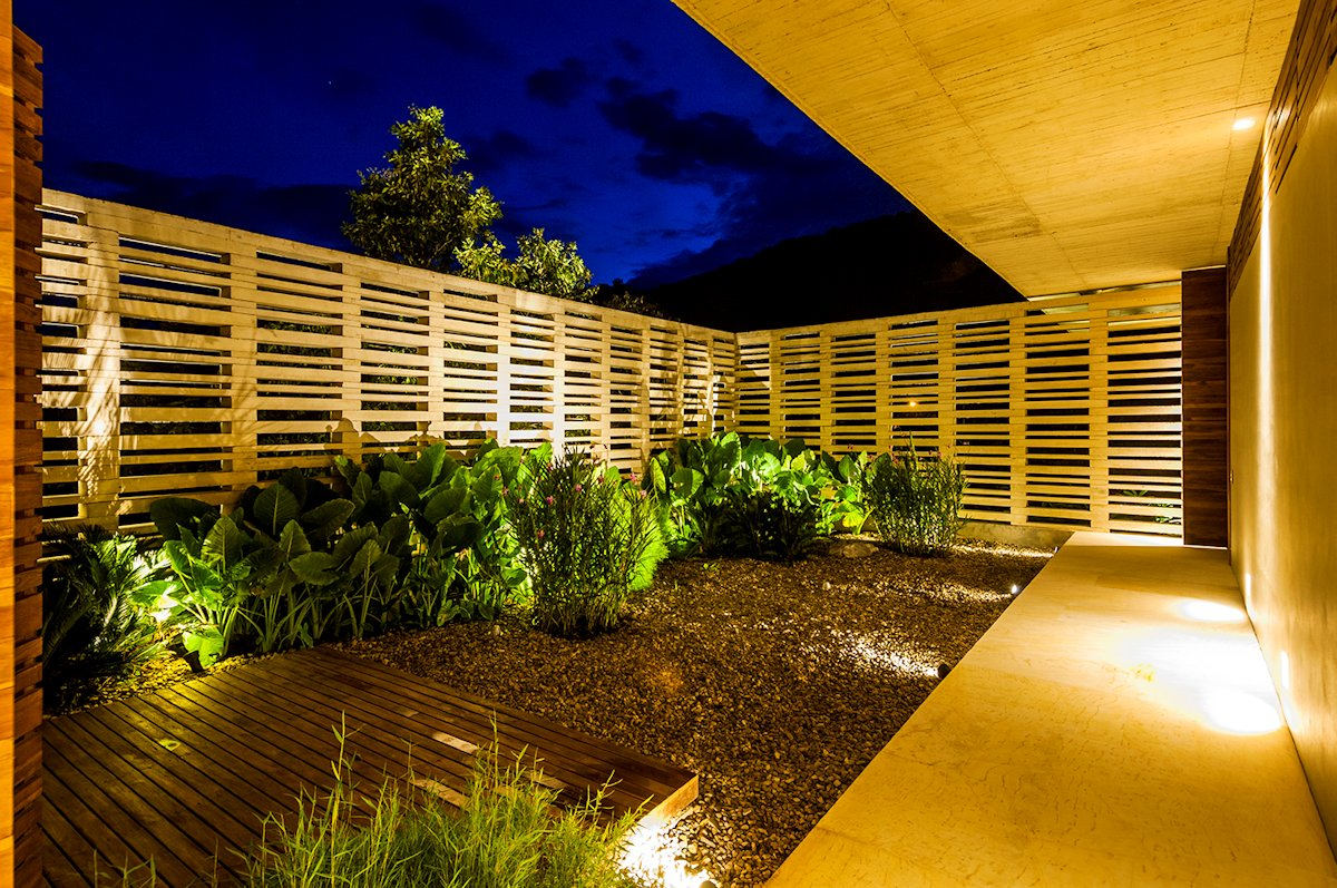 Courtyard, Lighting, Evening, House in Villeta, Colombia