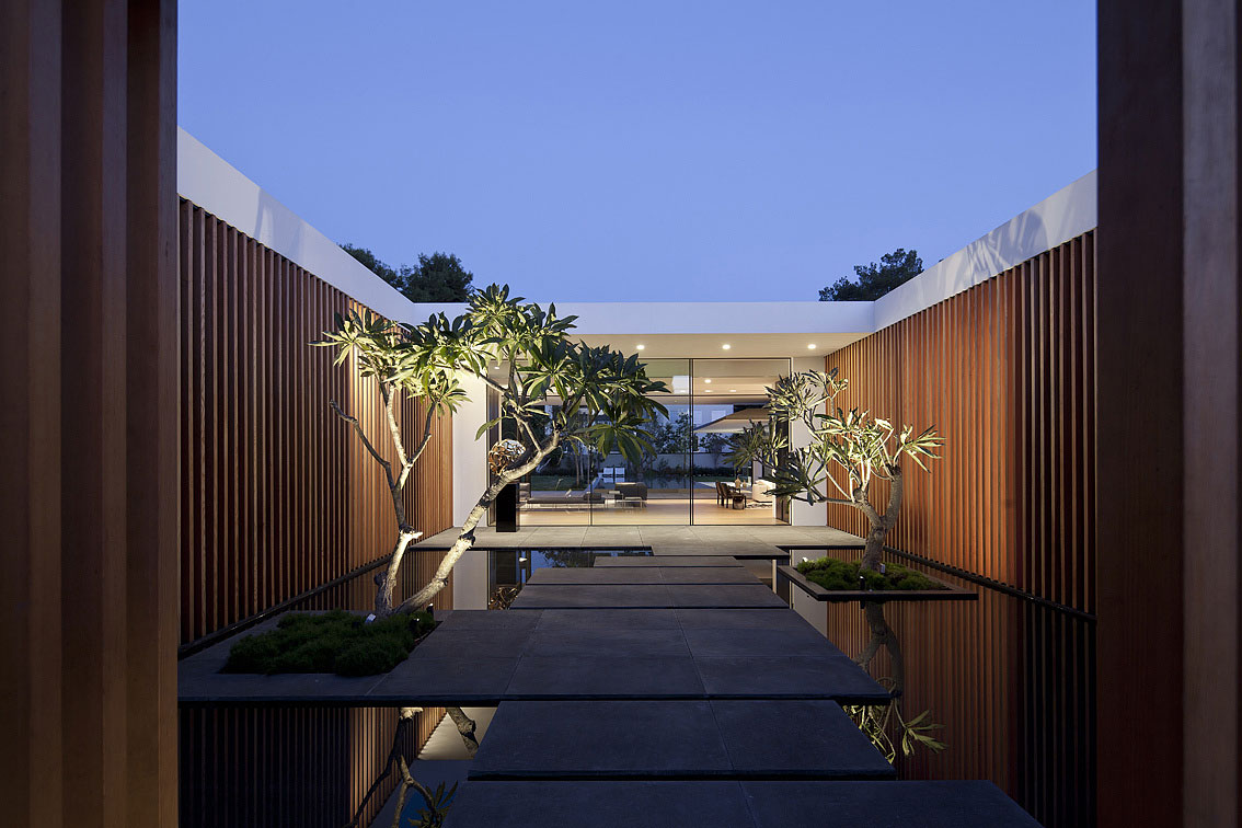 Internal Courtyard, Lighting, Water Feature, Float House in Tel Aviv, Israel