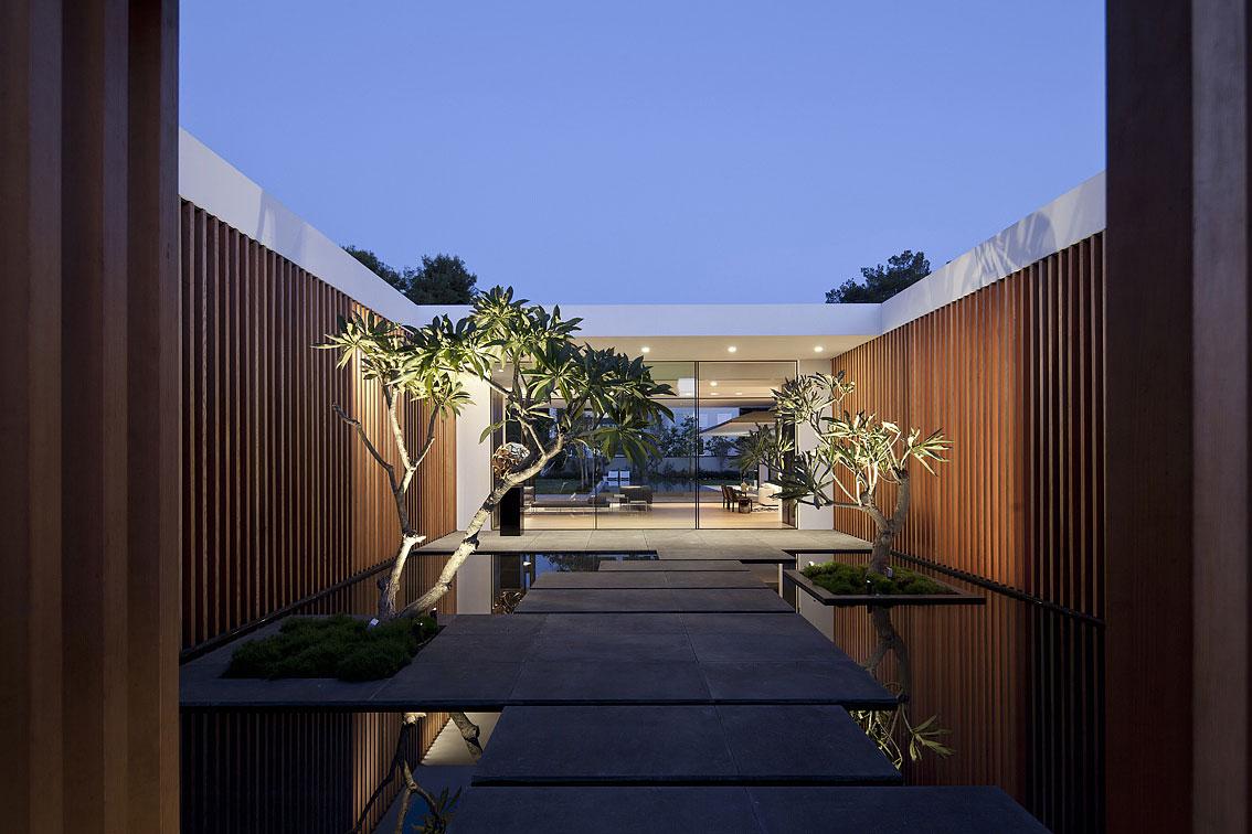 Internal Courtyard, Lighting, Water Feature, Float House in Tel Aviv, Israel
