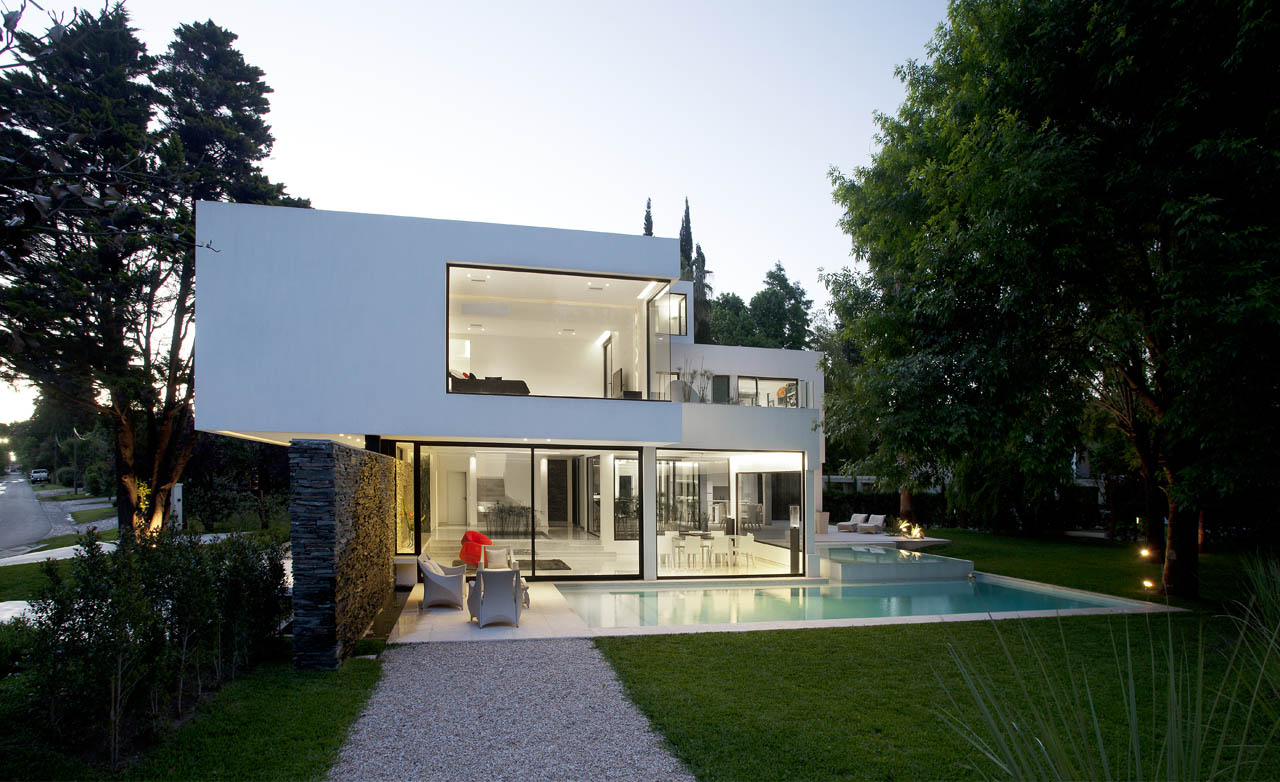 Lighting, Evening, Floor-to-Ceiling Windows, Pool, Garden, Modern House in Pilar, Buenos Aires