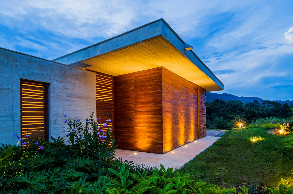 Evening, Outdoor Lighting, House in Villeta, Colombia