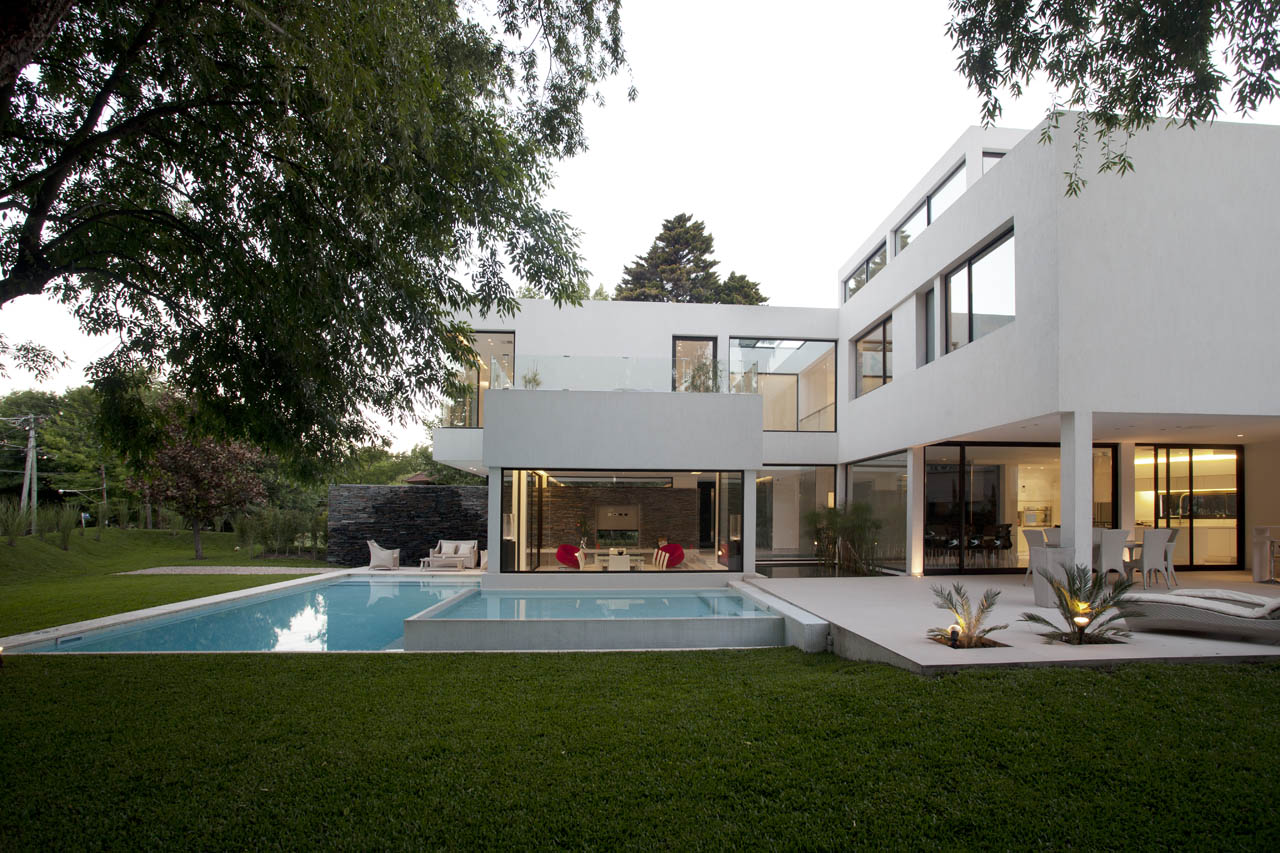 Jacuzzi, Outdoor Pool, Terrace, Modern House in Pilar, Buenos Aires