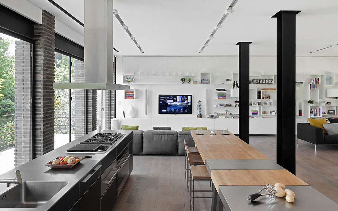 Kitchen, Breakfast Bar, Living Space, Family Home in Ramat HaSharon, Israel