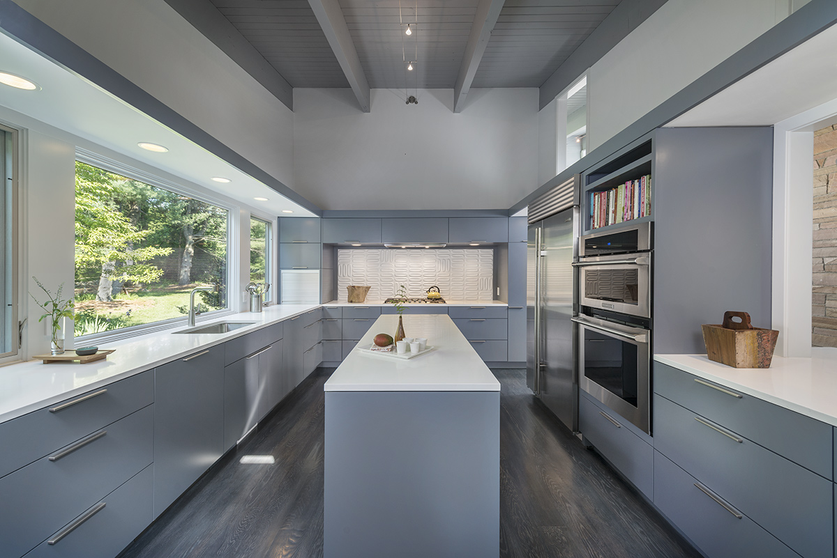Kitchen Island, Mid-Century Modern House in Lincoln