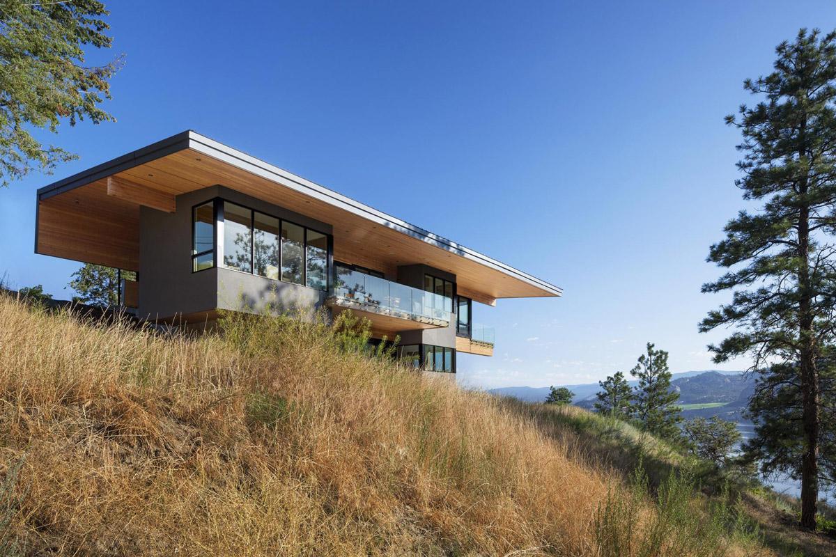 Lake Views, Skaha Lake Home, Kaleden, British Columbia