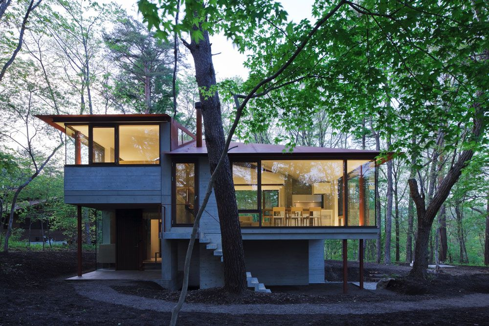 lighting hilltop home in karuizawa japan