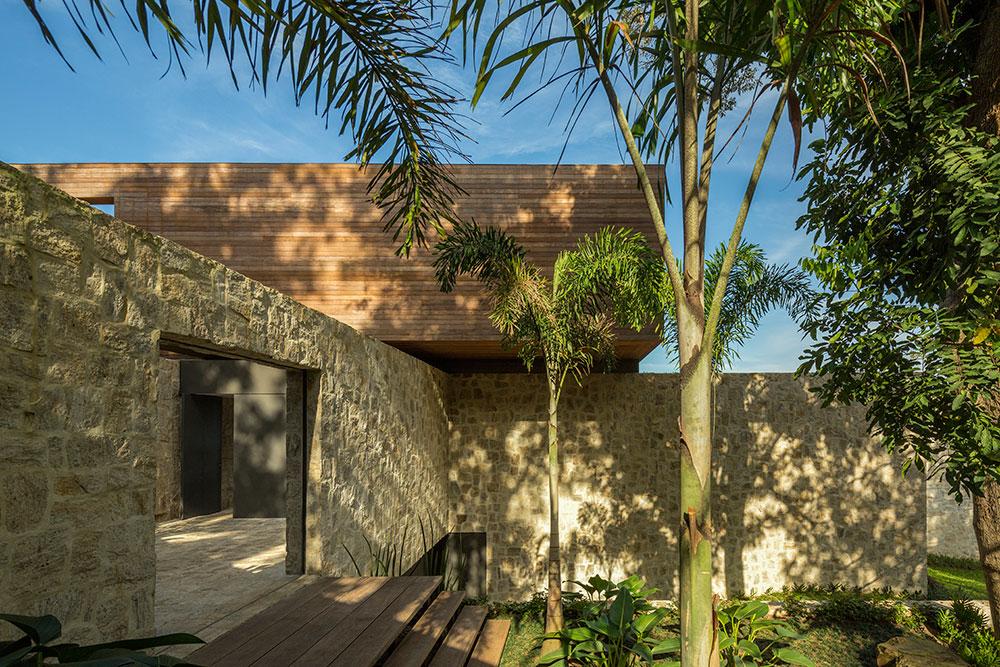 Natural Stone Walls, Home in Rio de Janeiro