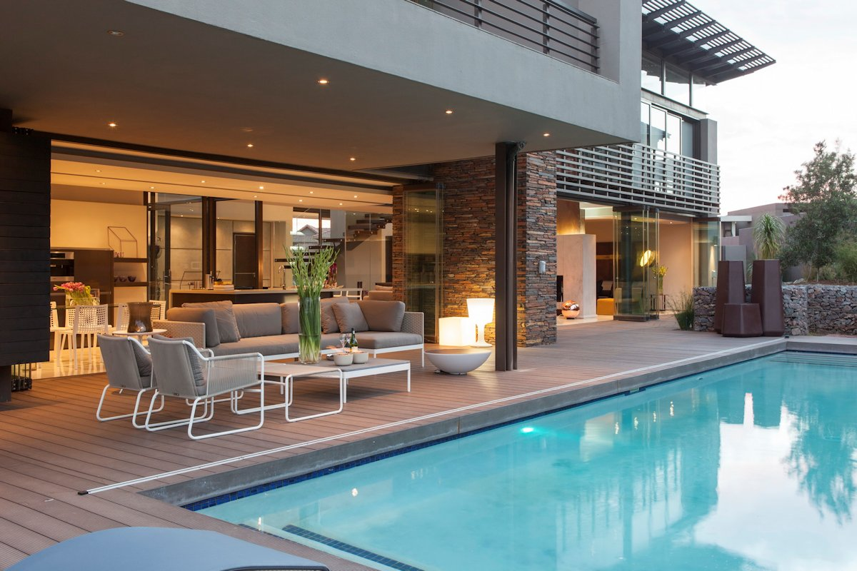 Outdoor Furniture, Swimming Pool, House in Johannesburg
