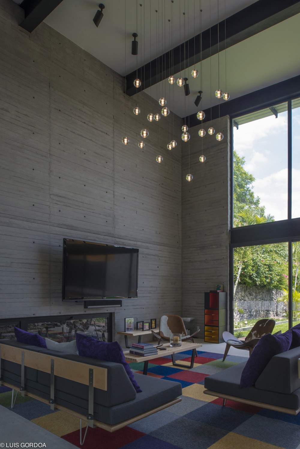 Pendant Lighting, Living Room, Weekend Retreat in Cuernavaca, Mexico