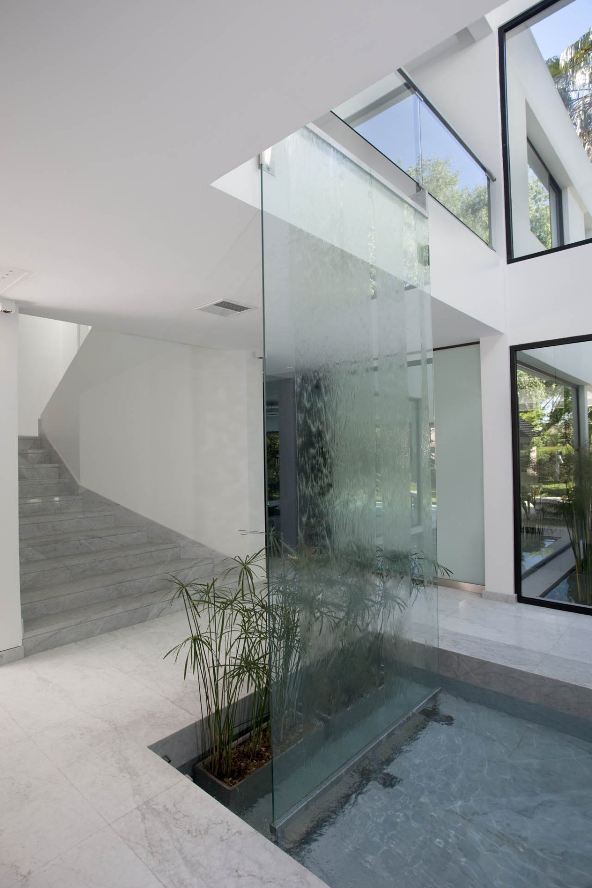 Plants, Waterfall, Water Feature, Modern House in Pilar, Buenos Aires
