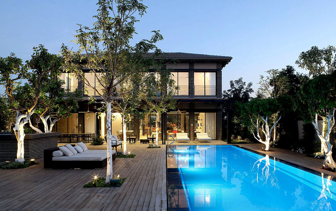Pool, Lighting, Deck, Family Home in Ramat HaSharon, Israel