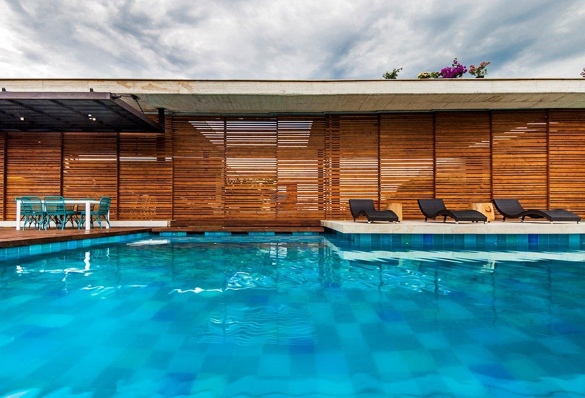 Pool, Terrace, Sunbeds, House in Villeta, Colombia