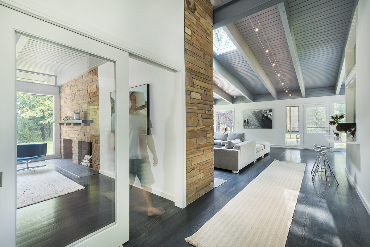 Rug, Open Plan, High Ceilings, Mid-Century Modern House in Lincoln
