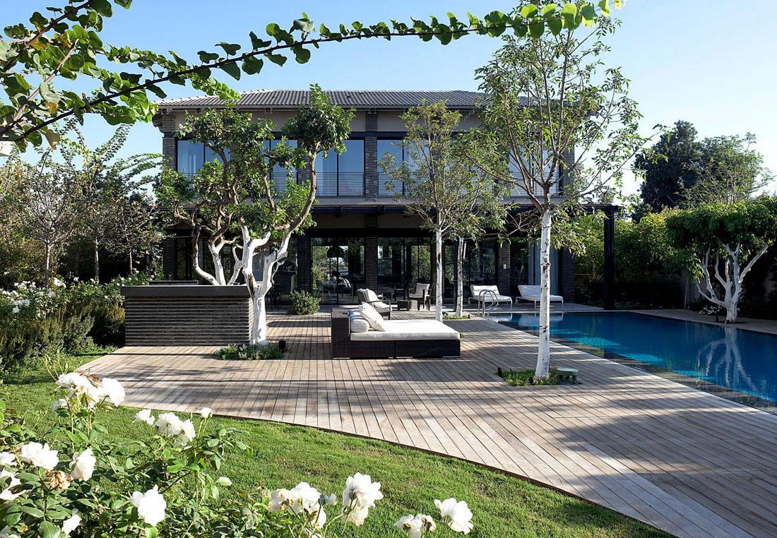 Terrace, Wood Decking, Outdoor Pool, Family Home in Ramat HaSharon, Israel