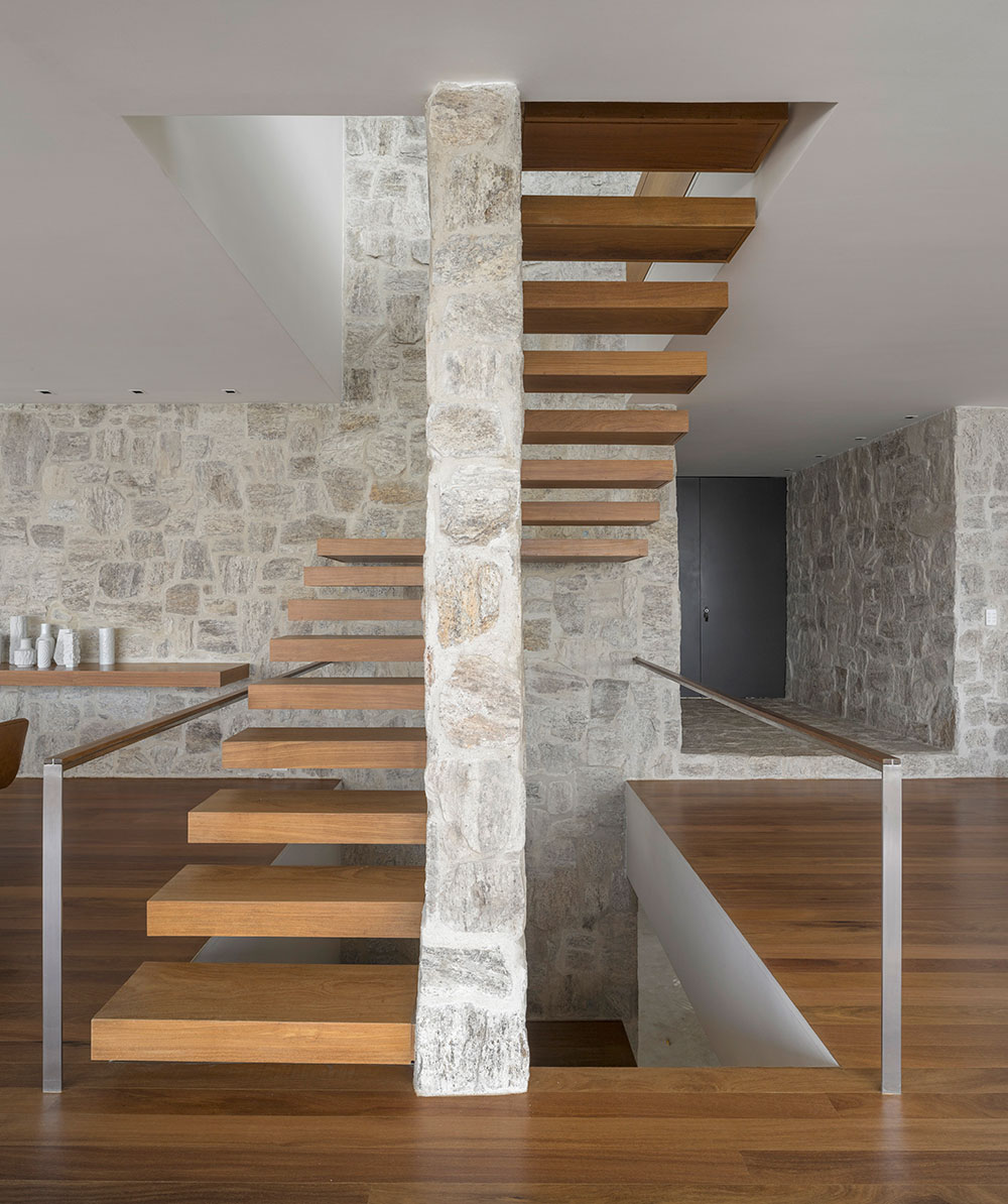 Wood Floating Stairs, Home in Rio de Janeiro