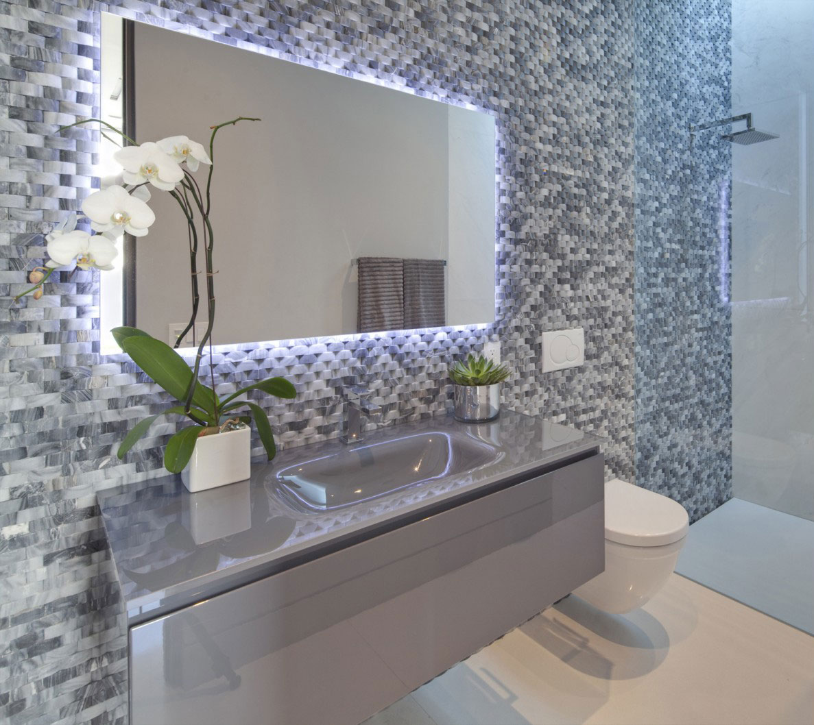 Bathroom, Tanager Residence in West Hollywood