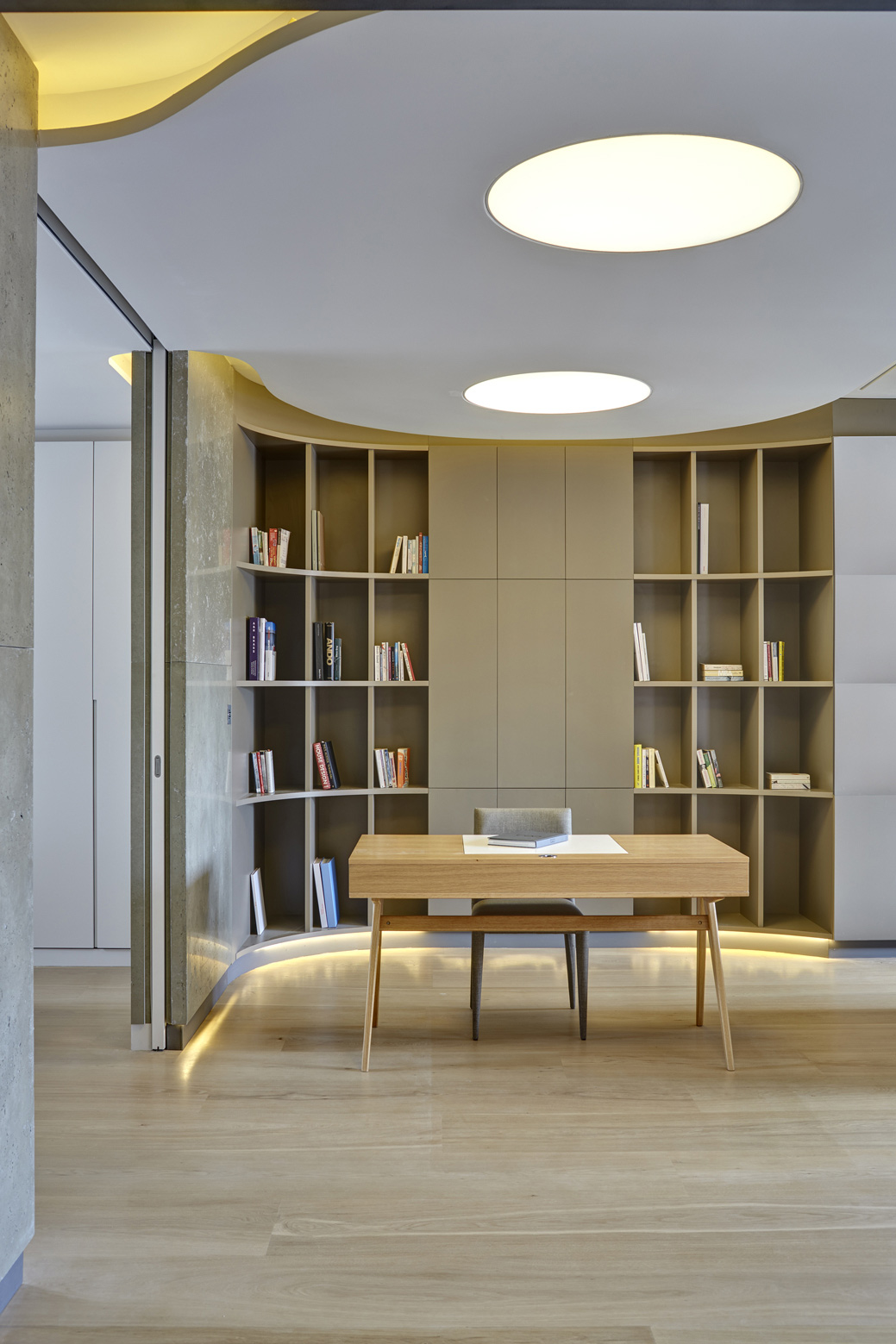 Book Shelves, Warehouse Style Apartment in Shoreditch, London