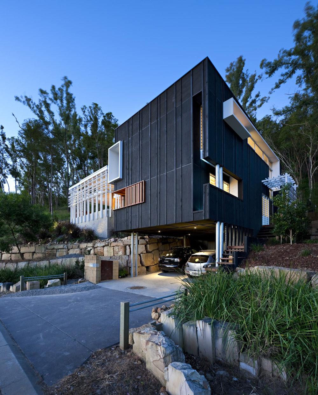 Car Port, Driveway, Stonehawke House in Brisbane, Australia