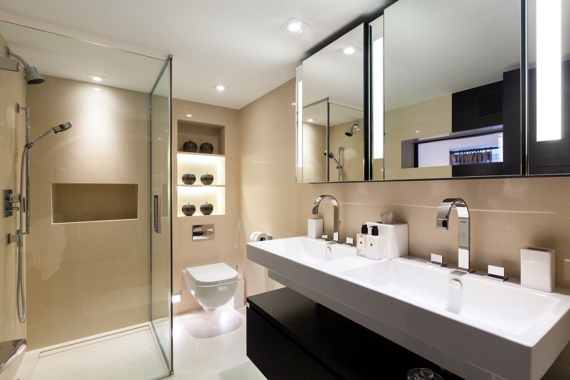 Double Sinks, Bathroom, Glass Shower, Henrietta Street Apartment