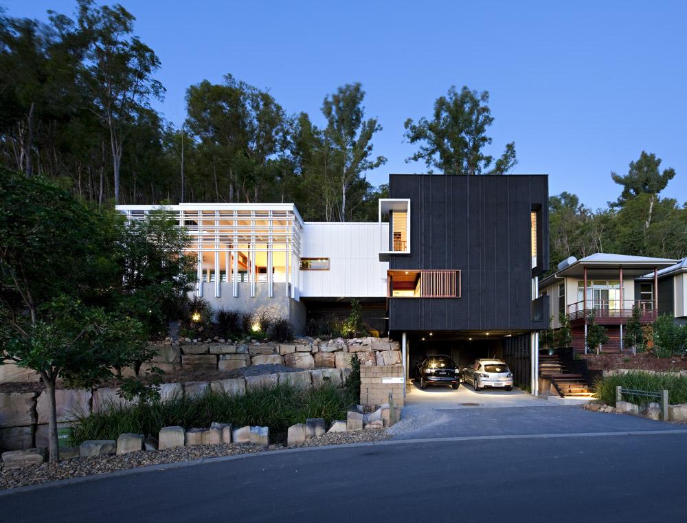 Impressive Modern Design: Stonehawke House in Brisbane, Australia