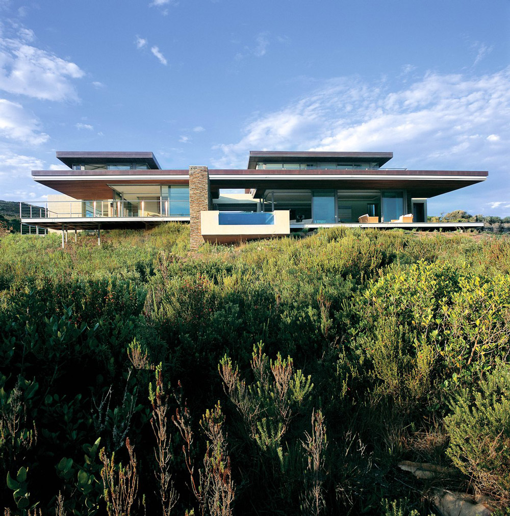 Pool, Terrace, Cliff Top Home in Knyzna, South Africa