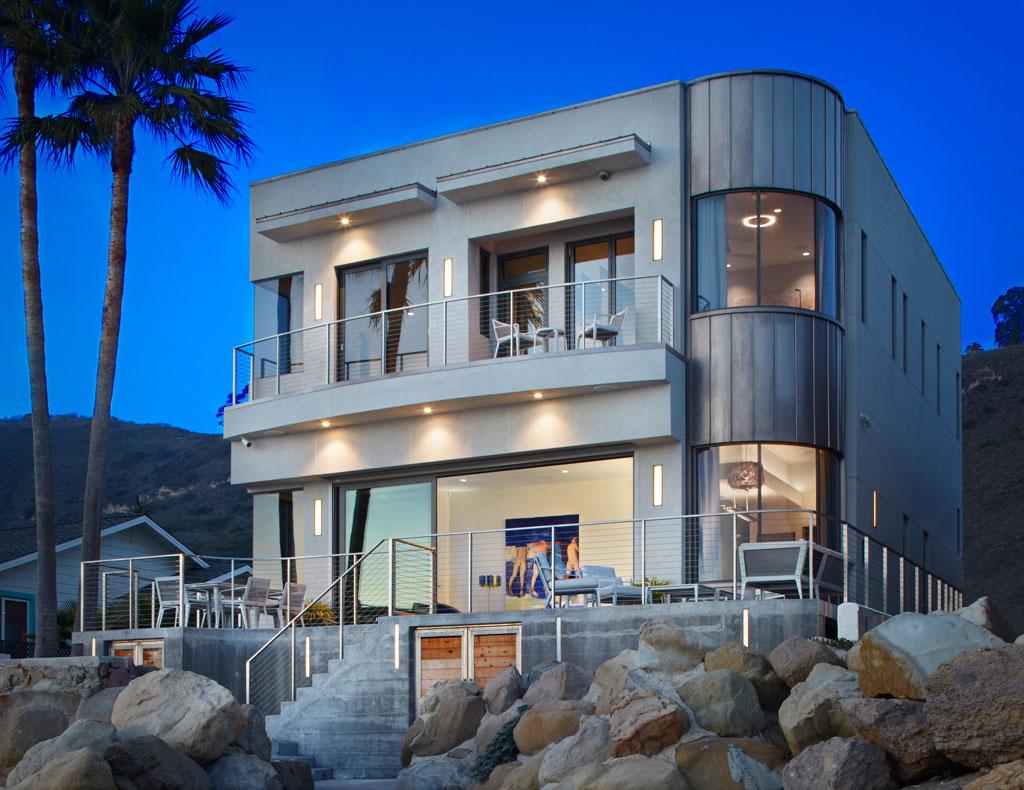 Eco-Friendly Beach House in Ventura County, California