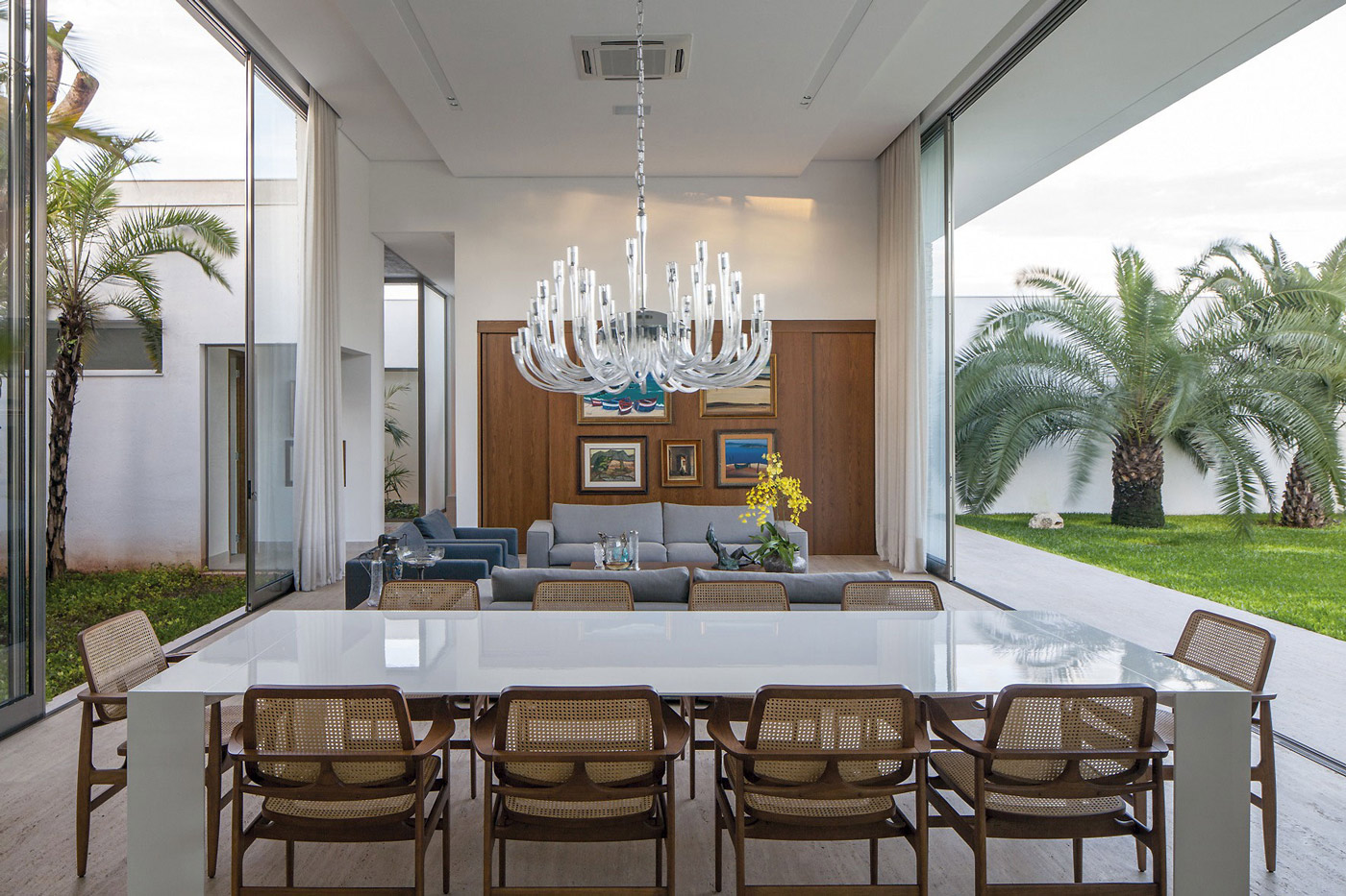 Chandelier, Dining Table, Living Space, Patio Doors, Home in Uberlandia, Brazil