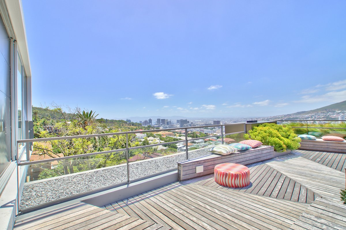 City Views, Roof Terrace, Wooden Deck, House in Tamboerskloof, Cape Town