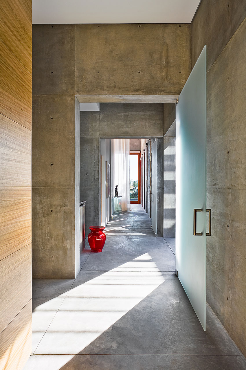 Concrete Walls, Glass Door, Concrete House in Montecito, California