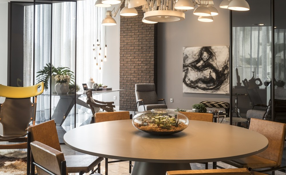 Dining Space, Table, Lighting, Art, Apartment in Praia Brava