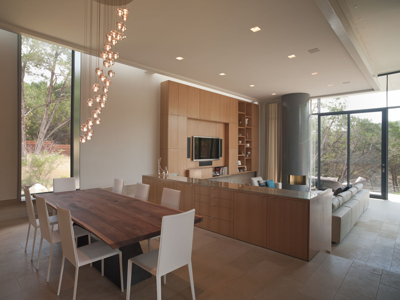 Pendant Lighting, Dining Table, Open Plan, Eco-Friendly House in Texas
