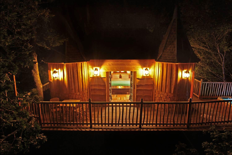 Lighting, Evening, Treehouse in Nojals-et-Clotte, France