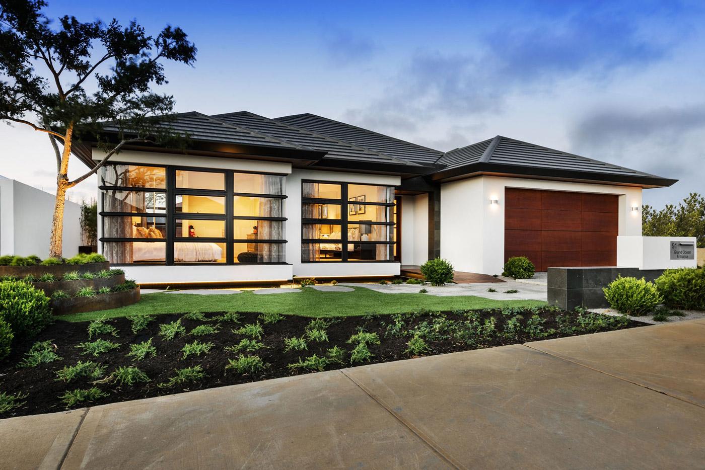 Front Facade, House in Burns Beach, Perth