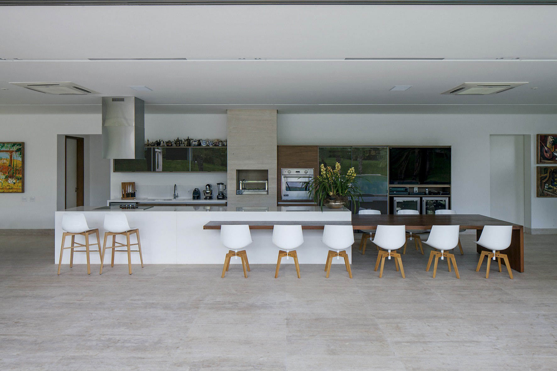 Kitchen, Breakfast Bar, Dining Table, Home in Uberlandia, Brazil