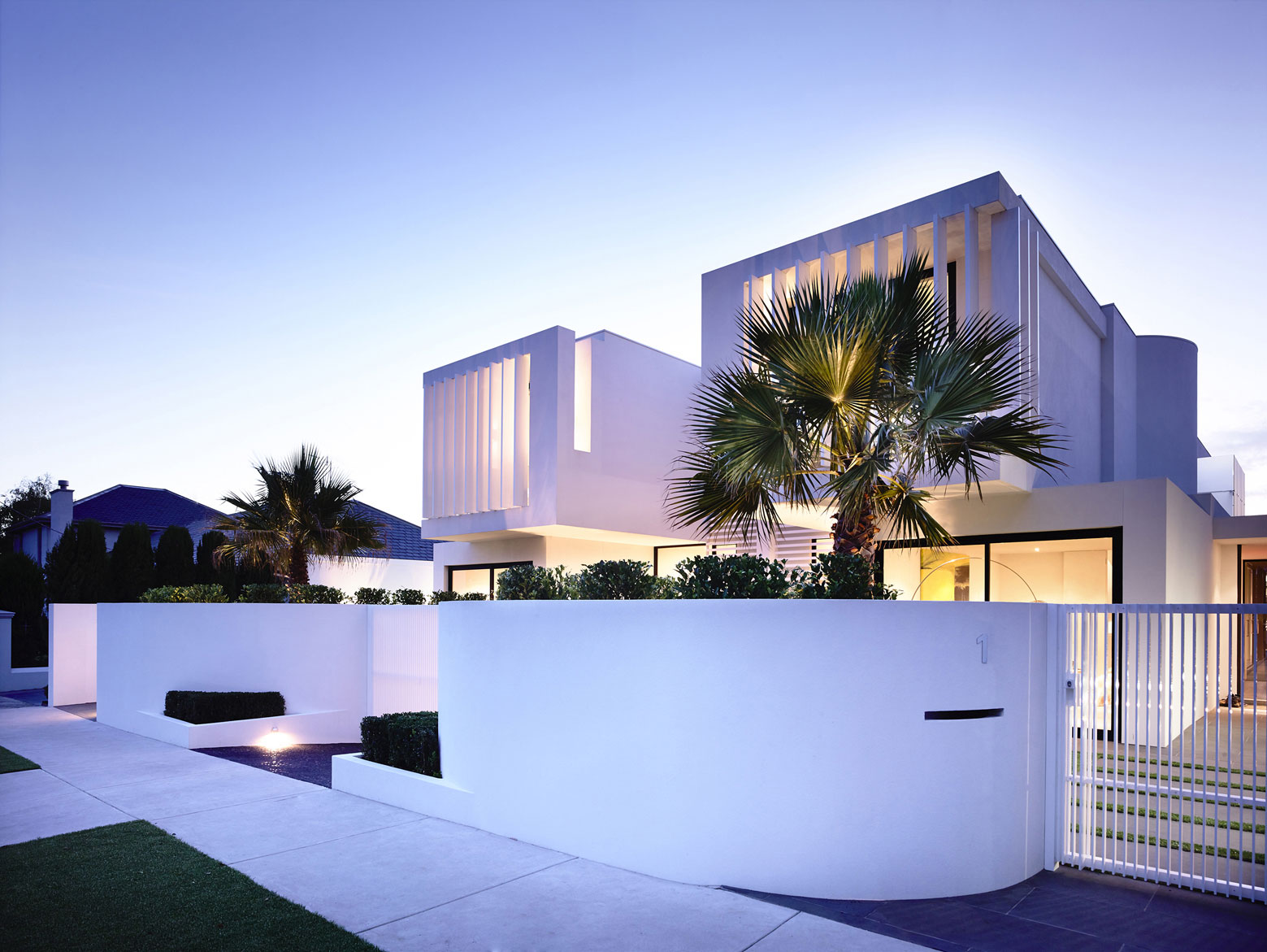 Charming minimalist townhouses in brighton australia for Townhouse architecture designs