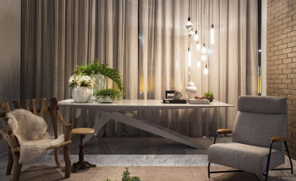 Pendant Lighting, Table & Chairs, Apartment in Praia Brava