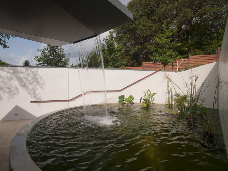 Pond, Waterfall, Eco-Friendly House in Texas