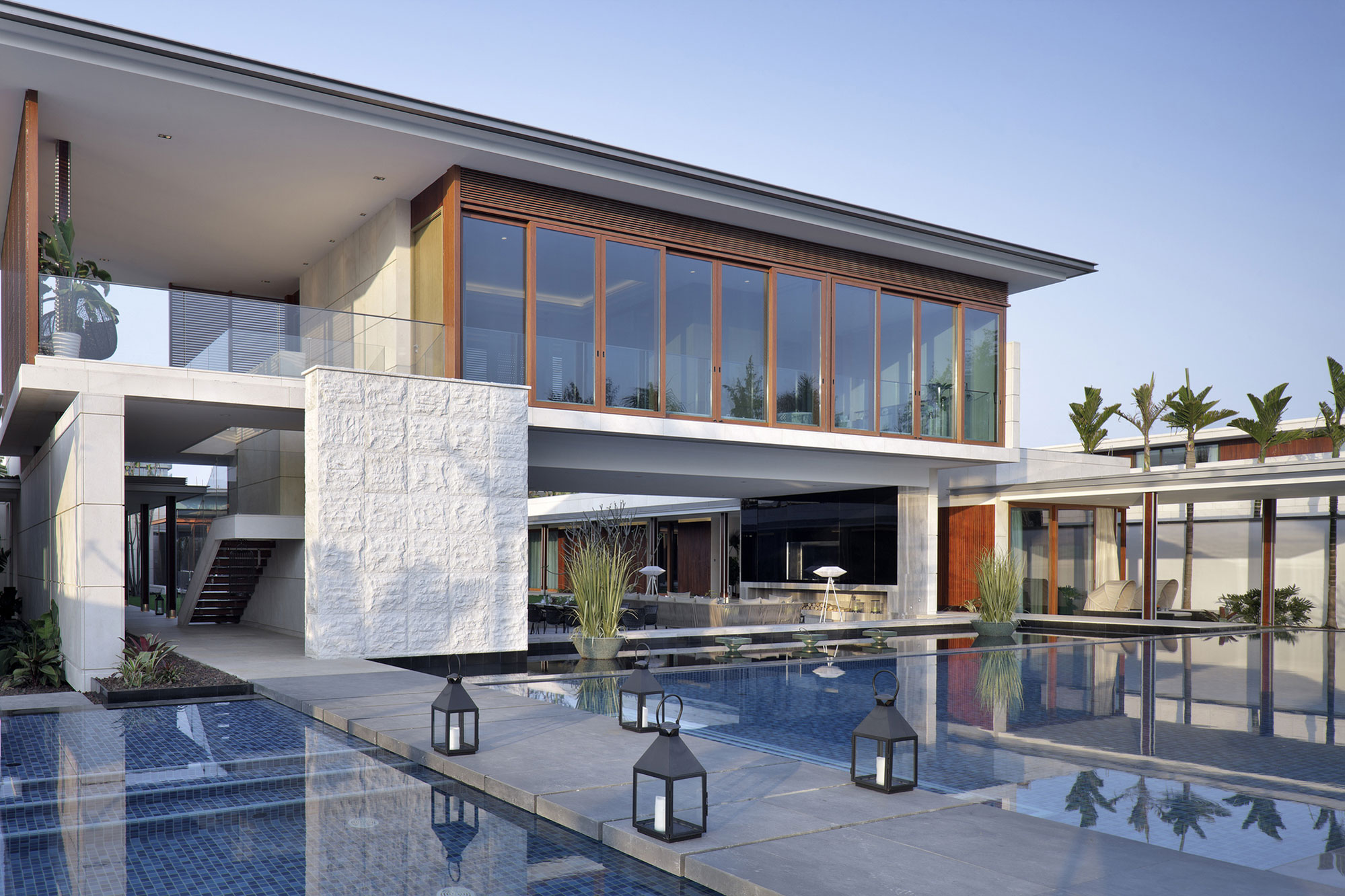 Pool, Bridge, Beachside Villas in Lingshui, Hainan, China